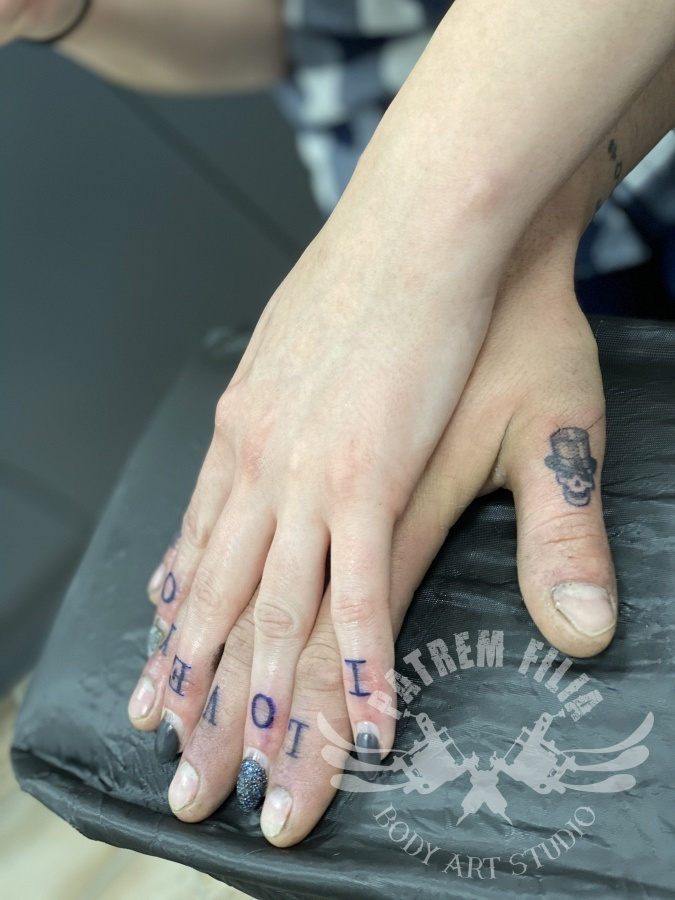 Vinger tattoos Tattoeages 2
